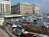 Search apartments in Naples